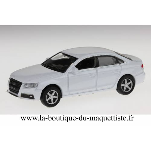 Audi A4 blanche HO