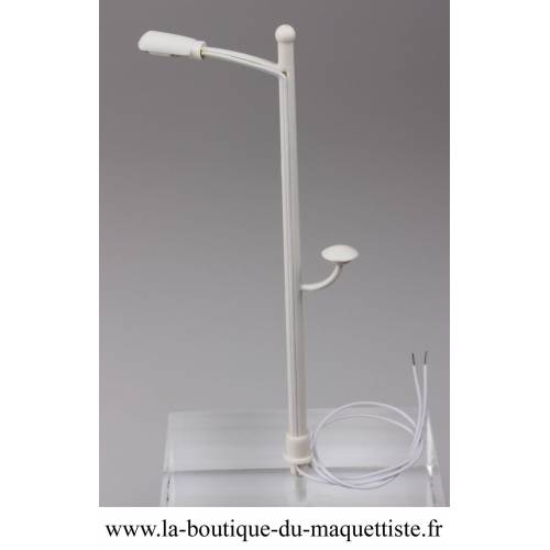 LAMPADAIRE EXT 2